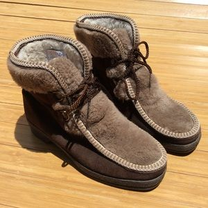 Vintage Yodelers Sherpa Boots Shoes Women's 6